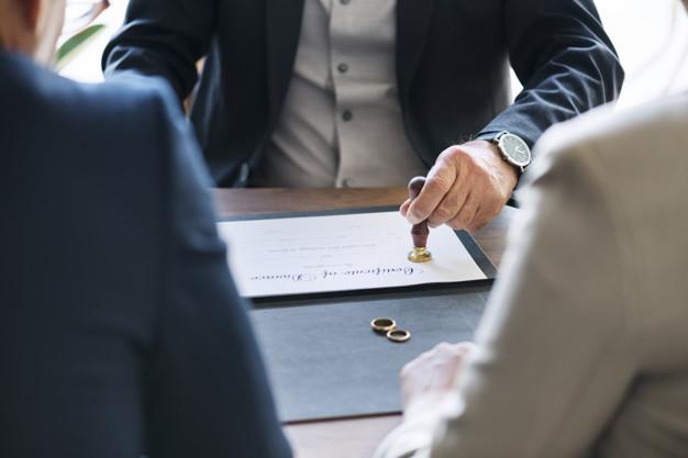 Le divorce sans juge et le notaire